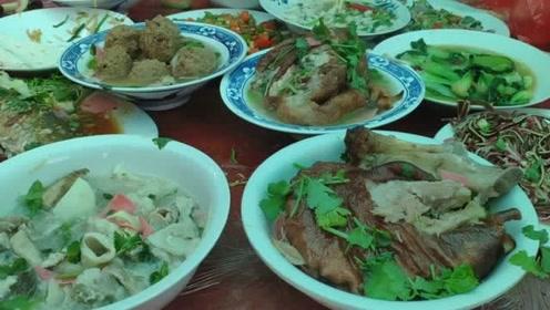 如今农村的宴席怎么了,吃过之后,剩菜还是满满的一桌