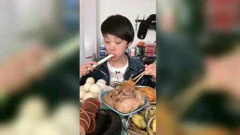美食吃播:软糯的肉包看馋了