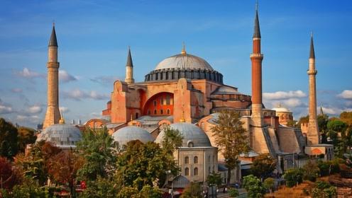 土耳其最美的城市,有着月球般的地貌,被评为世界十大美景之一