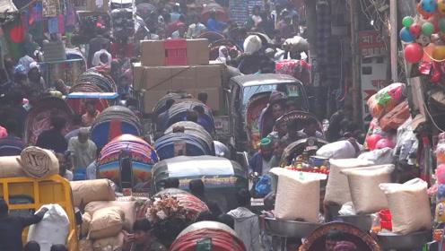 世界上人口密度最高的国家,是中国的9倍,却还在不断上涨!