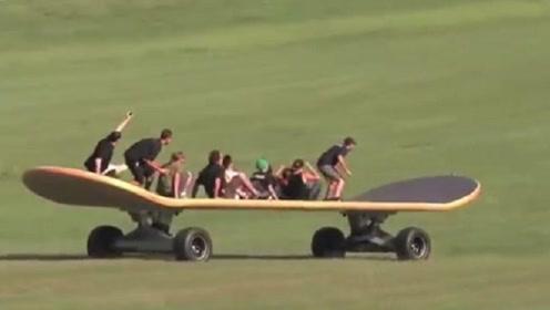 """老外发明""""世界最大滑板"""",飞速从山上滑下,结果发现没有刹车!"""
