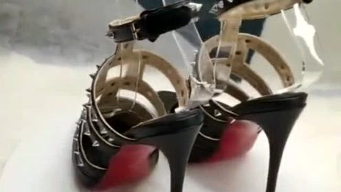 婆婆明天过生日,我计划给她买这双高跟鞋,你们觉得她会喜欢吗?