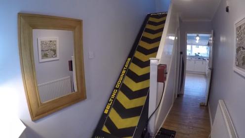 """老外觉着上楼梯太累,直接将其改成了""""跑步机""""结果苦不堪言!"""
