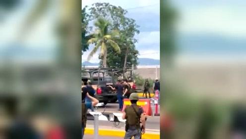 墨西哥军警与毒贩握手言和:由于武力不足被迫释放大毒枭之子