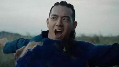 """李现幕后对比日常,王子化身""""耍宝大王"""",网友:杨紫瞎了眼!"""