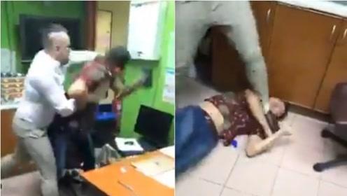 男子国外打工回家后发现妻子出轨男医生 闯入诊所对其一顿暴揍