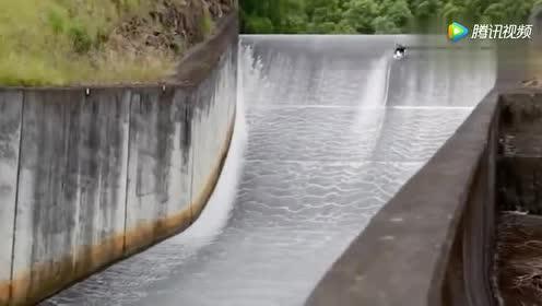 极限运动—这才是真正的滑水