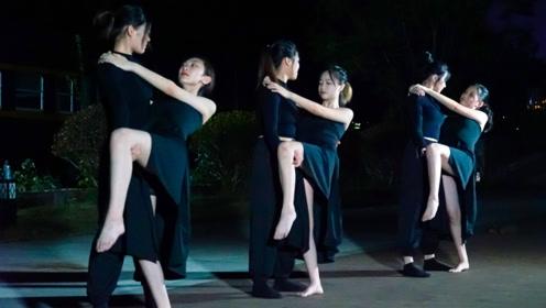 每一帧都是经典!王菲的编舞《致青春》,看哭了一批又一批的年轻人