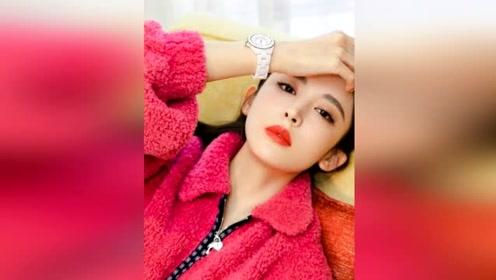 古力娜扎穿羊羔毛外套气质佳 红唇衬雪肌更显美艳动人