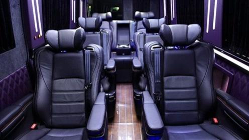 """这才是真正""""商务王"""",车长5.96米配航空椅,9座布局比埃尔法大气"""