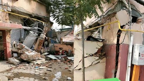 聊城一餐厅发生煤气罐爆炸 店铺墙面遭炸塌
