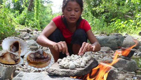 美女野外烹饪牡蛎,看完之后,网友纷纷表示,被她的手法征服!