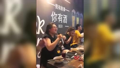 妹子!你是不是刘欢老师的关门弟子?太像了!
