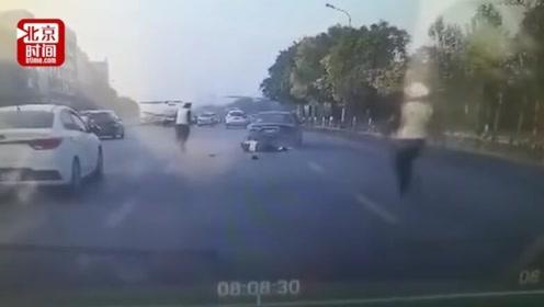 鞍山49岁民警执勤时遭冲撞辗轧牺牲 嫌疑人弃车逃逸已被抓