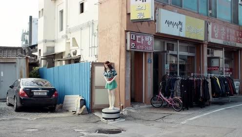 国外摄影师眼中的韩国女性《塑料女孩》