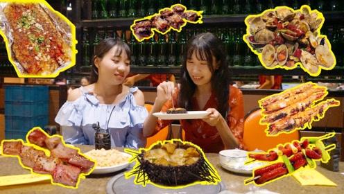 大连海鲜大排档,活海鲜直接拿来烤,点了一桌子太解馋了!