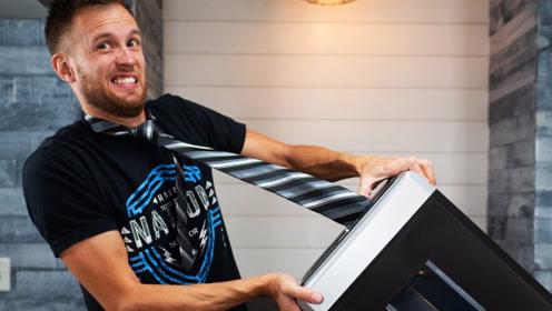领带不小心进入碎纸机有多危险?老外亲测,看完让人一阵后怕!