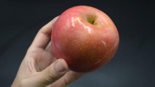 洗苹果也有讲究,很多人都用错了方法,吃了反而危害健康