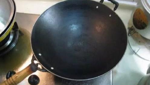 """家里不要再用这种锅炒菜,可能是化工桶""""变身"""",看完告诉爸妈"""