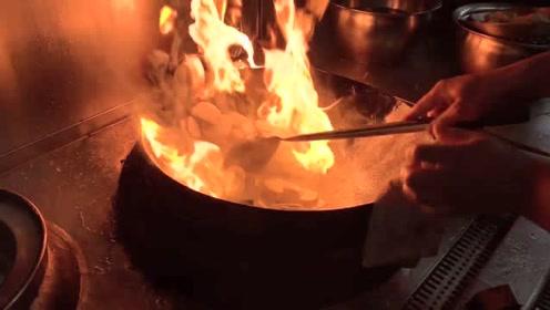 这是我见过最牛的大厨,炒菜技术一流,我都想拜他为师了