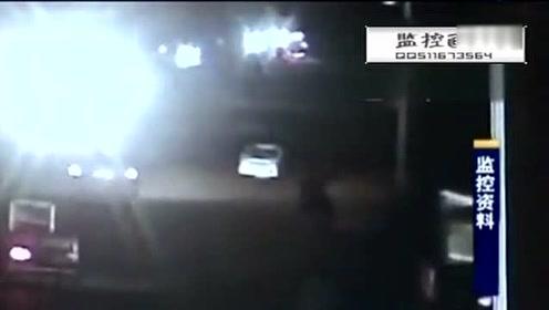 监控实拍:女子无证驾驶撞飞路人 下车确认伤者死亡后逃逸