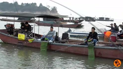 这里渔船不捕鱼,做起了这个生意,人均100块,一天收入好几千