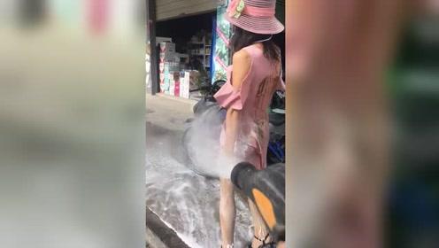 这是洗人还是洗车!