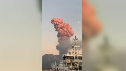 火山喷发的美景,一道亮丽的风景线