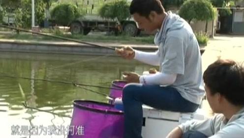 饵料要落在铅坠和浮漂的前面,可以减少缠线的现象