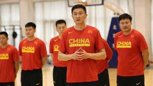 隐患!杜峰被吹罚技术犯规驱逐出场,他真的可以胜任国家队主教练?