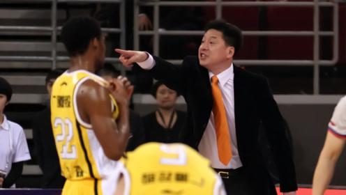 精彩程度不输比赛!CBA主教练比赛时候都在说什么?