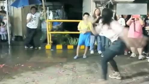 传统武术,中华传统武术十字拳,美女这打的拳拳到位,厉害!