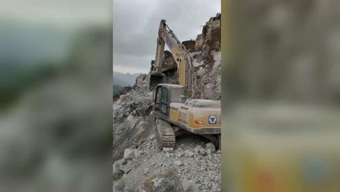硬是要看到这块大石头安全滚落下去才放心!