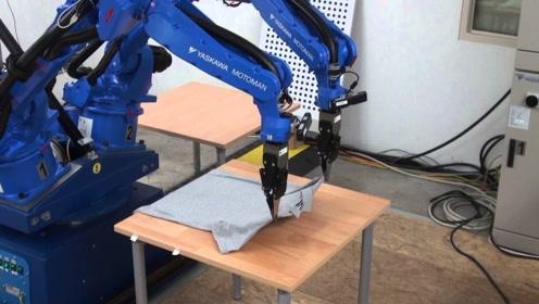 """世界首款""""织衣""""机器人,30秒织完一件,效率超人类20倍!"""
