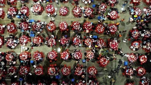 食材超4万斤!广东顺德举办敬老万人宴 2万人赴宴场面壮观