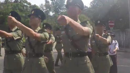 """援军到了!香港警务处委任一批""""特务警察"""" 港警不再单打独斗"""