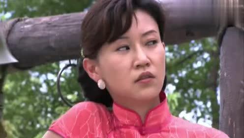 柳生美子放了冷月和宋玉,刘成立马点燃博士身上的炸弹,撒腿就跑