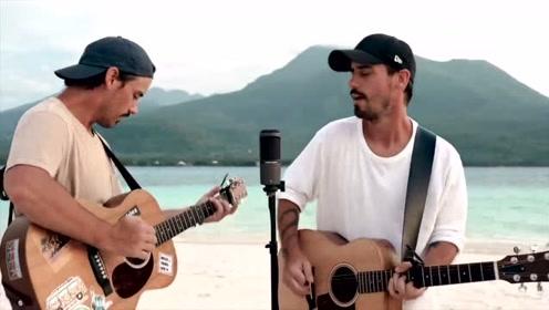 海滩上吉他弹唱《你是我的阳光》
