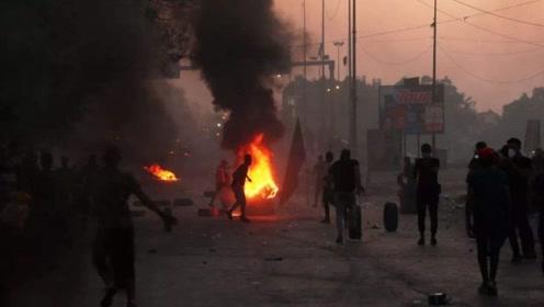 抗议活动再次升级,示威者闯进大使馆投放炸弹,总理无奈选择辞职