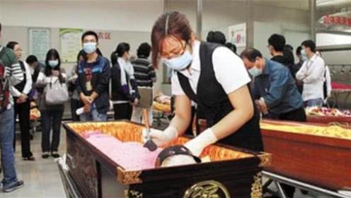 为何殡仪馆不接受艾滋病尸体?工作人员做出回应,看完沉默了