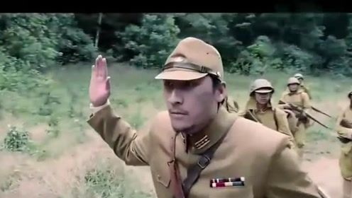 小日本欺负中国人,就连大蛇都不放过它们,当场把他们吓傻!