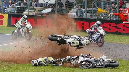 险象环生!澳门摩托车赛六车连撞,3人入院急救比赛取消