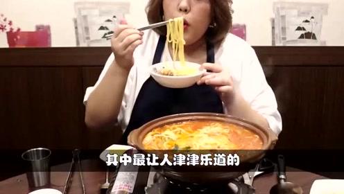 """韩国吃播大叔:""""爆辣""""泡菜+火腿拉面,吃到流汗,看得胃疼了"""