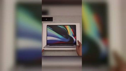 苹果最新16寸MacBook Pro开箱 包装盒里有这些配件