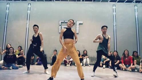 南京Ishow爵士 舞蹈《burnitup》