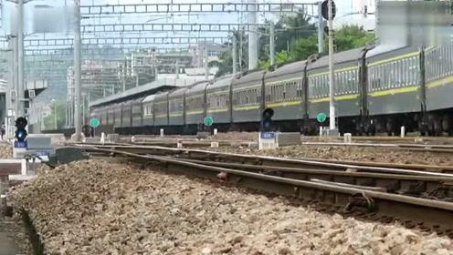 汕头到重庆北K688次列车 和谐电1C牵引出惠州站