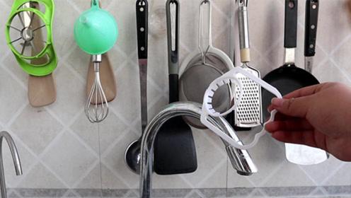 油桶提手切记可别扔了,放在厨房和卫生间作用太棒了,一年省下好几百