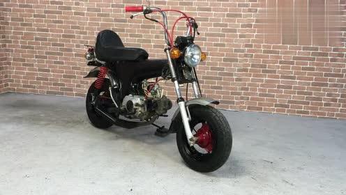 """本田50cc迷你摩托车,别看机器老,声浪还挺""""暴躁""""!"""