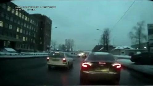 外国12月车祸事故视频--第172集
