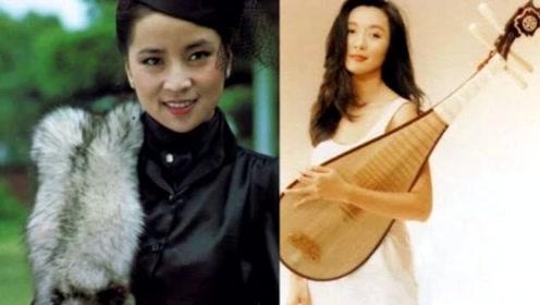 她曾与林青霞齐名,疑因追成龙退圈,今嫁入豪门成人生赢家!